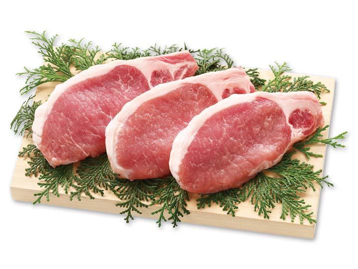 食材宅配の豚肉の価格を比較しているイメージ
