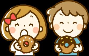 食材宅配の安全なお菓子を食べる子供