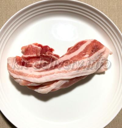 おうちコープの茶美豚をお皿に出したところ